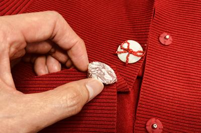 飾りボタン保護